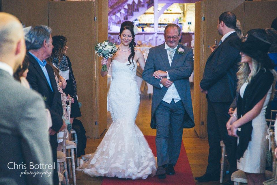 Hales-Hall-Barn-Wedding-Photography-LM-19