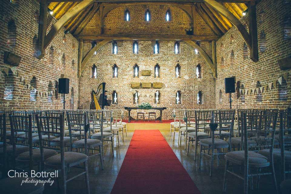 Hales-Hall-Barn-Wedding-Photography-LM-3