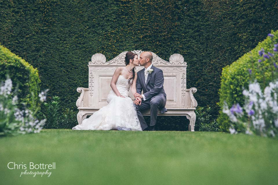 Hales-Hall-Barn-Wedding-Photography-LM-44