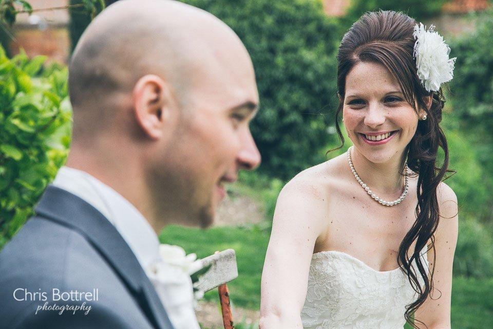 Hales-Hall-Barn-Wedding-Photography-LM-47