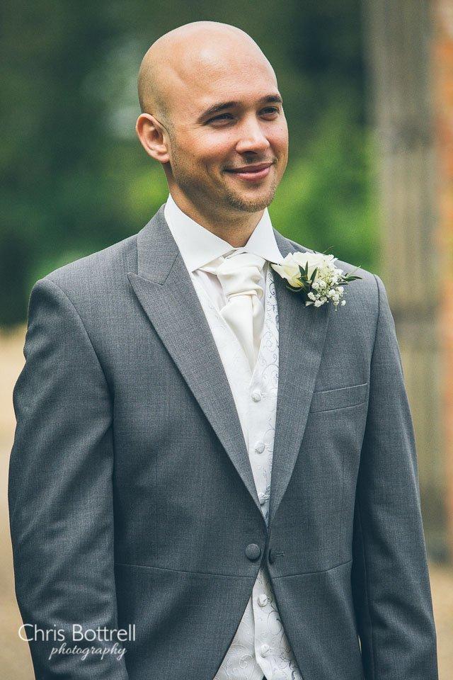 Hales-Hall-Barn-Wedding-Photography-LM-5