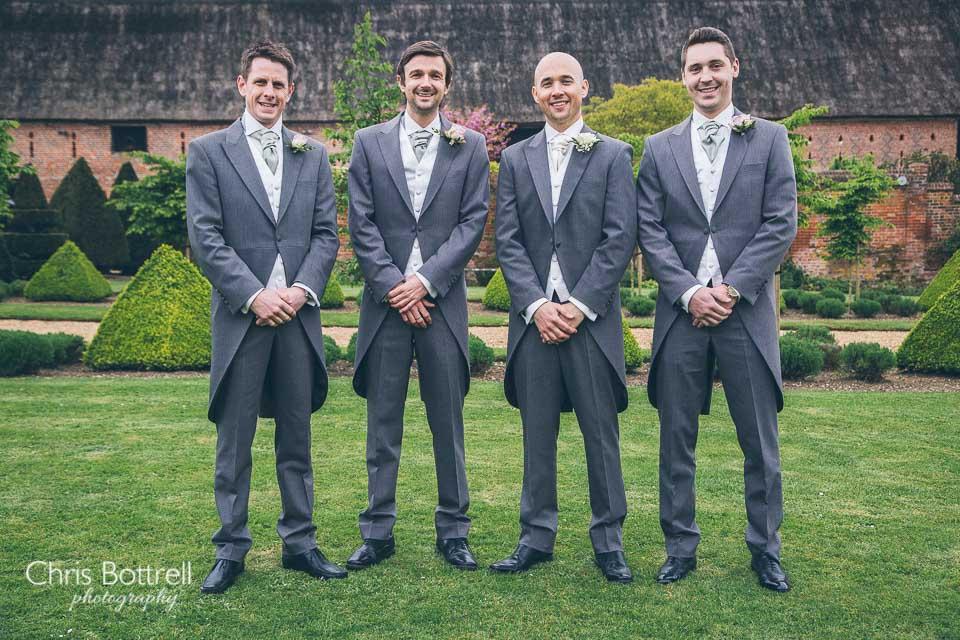 Hales-Hall-Barn-Wedding-Photography-LM-52