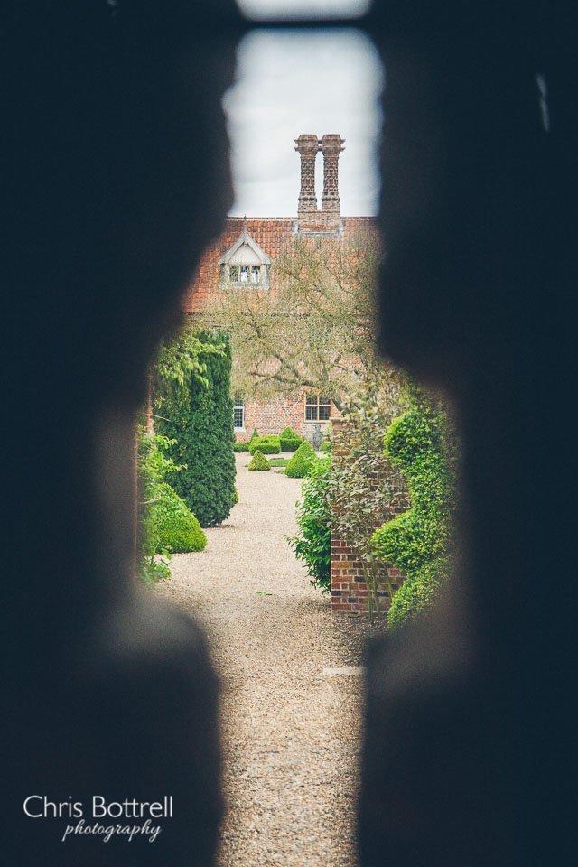 Hales-Hall-Barn-Wedding-Photography-LM-60