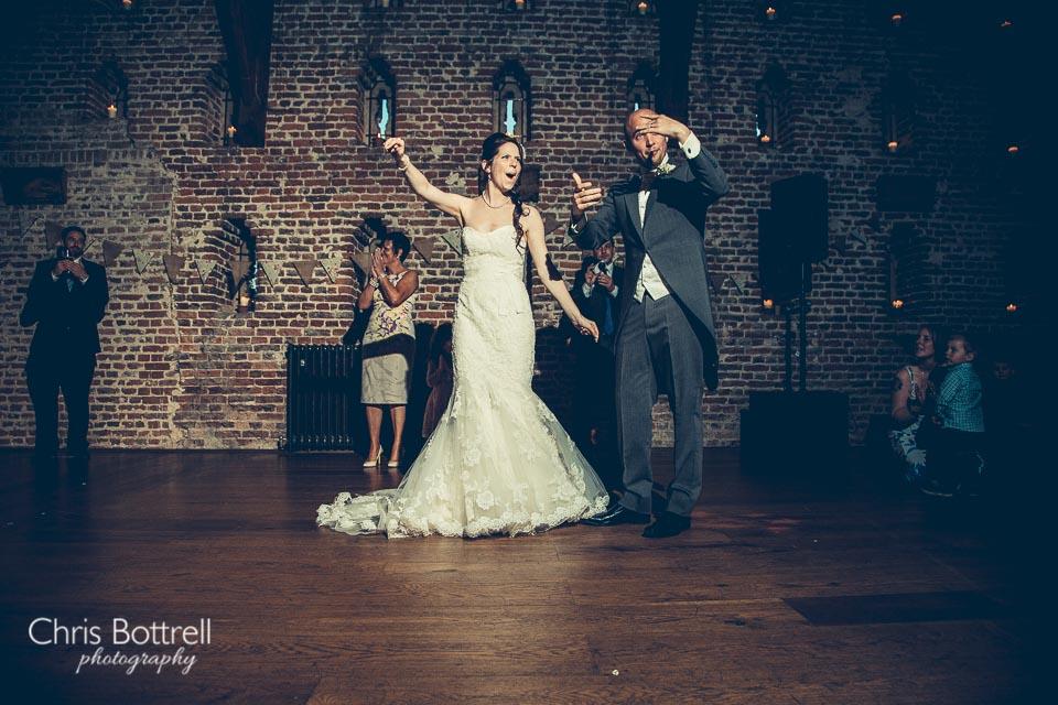 Hales-Hall-Barn-Wedding-Photography-LM-78